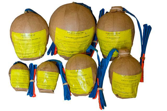 _Feuerwerk-Kugelbomben-von-65mm-bis-150mm-mit-und-ohne-Kometenaufstieg